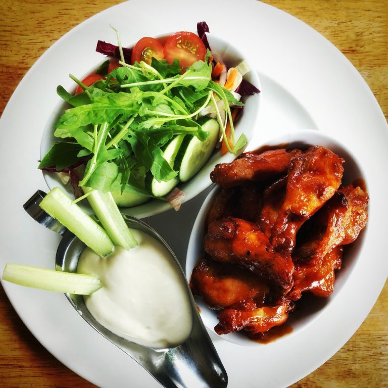 Gus O'Connor's Pub Doolin Co. Clare Irish Pub Food Chicken Wings