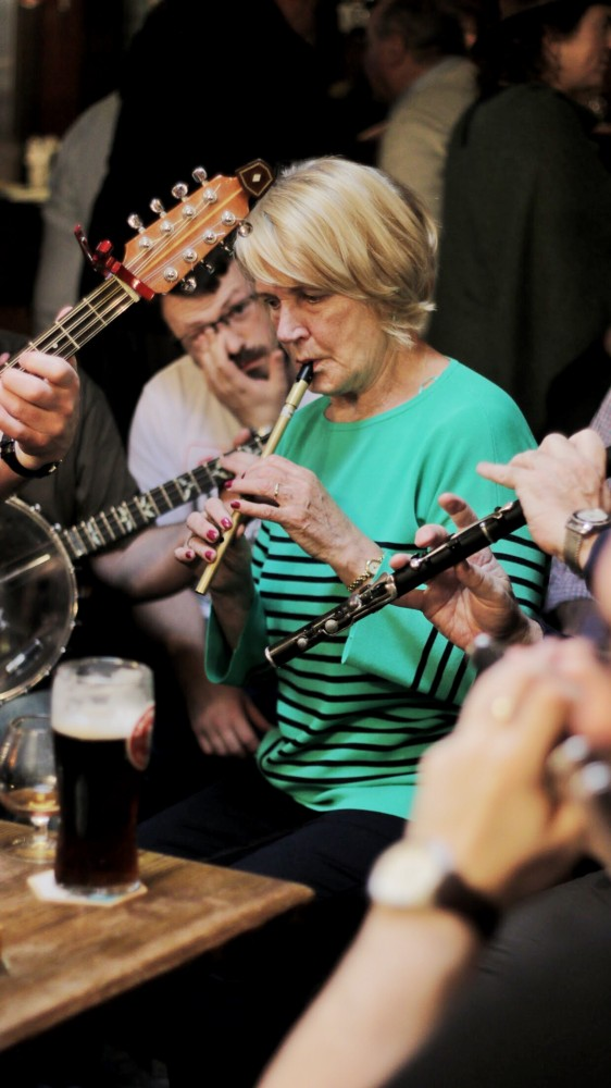 Irish Traditional Music Session - Gus O'Connor's Pub - Doolin Co. Clare