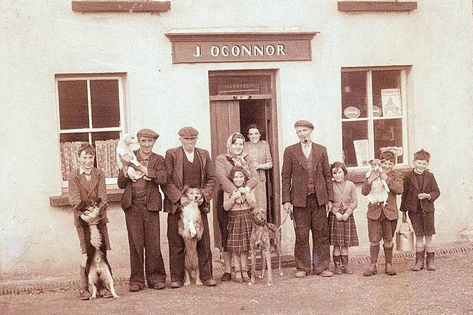 Gus O'Connor's Pub Doolin co. Clare - Irish Traditional Music Pub on Ireland's Wild Atlantic Way - Photo courtesy of Clare County Library